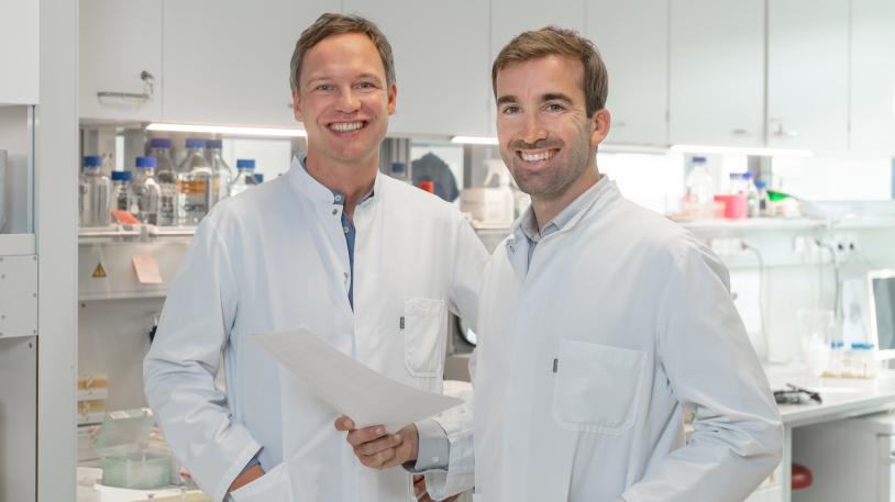 PD Dr. med. Hendrik Poeck (links) und PD Dr. med. Simon Heidegger (rechts)