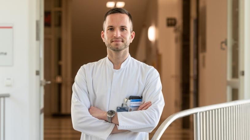 Infektiologe und Oberarzt PD Dr. Christoph Spinner leitet verschiedene klinische Studien zu Arzneimitteln im Kampf gegen das neuartige Coronavirus SARS-CoV-2