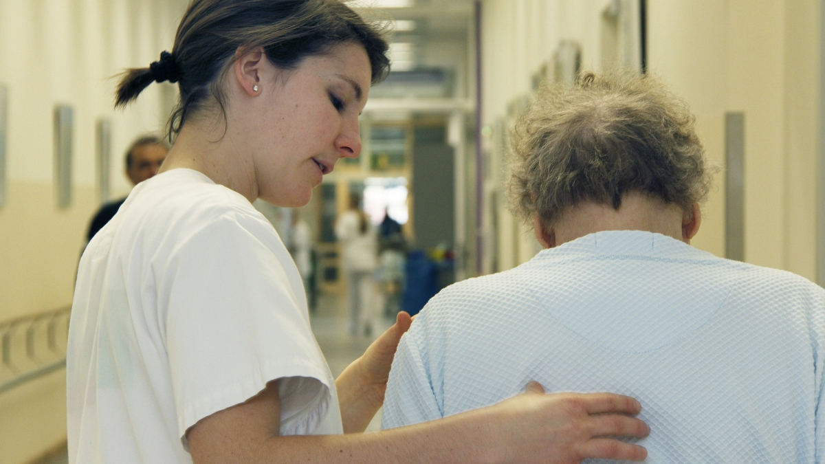 physiotherapie auf stationsflur