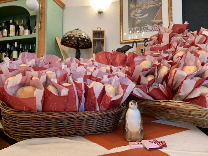 Vorbereitungen für den Ansturm im Restaurant Pinguin