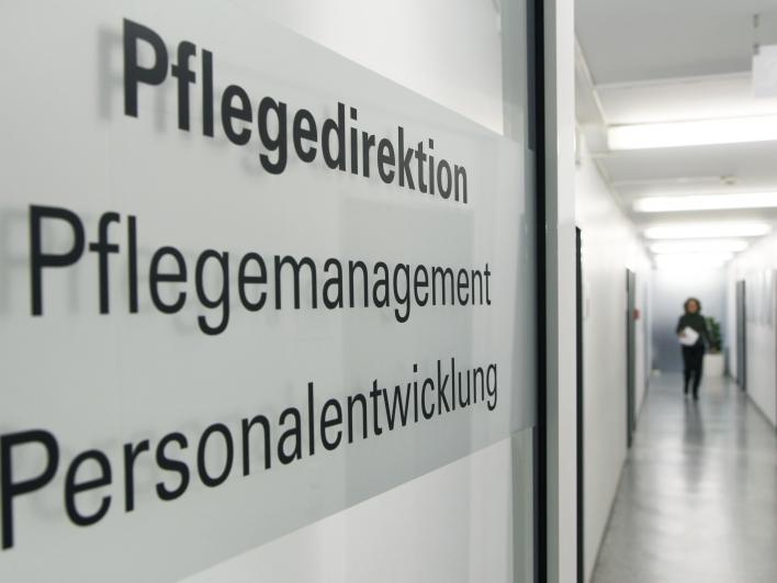 Eingangstür zur Pflegedirektion