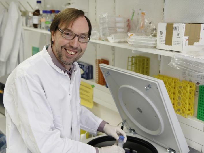 Dr. Oostendorp im Labor