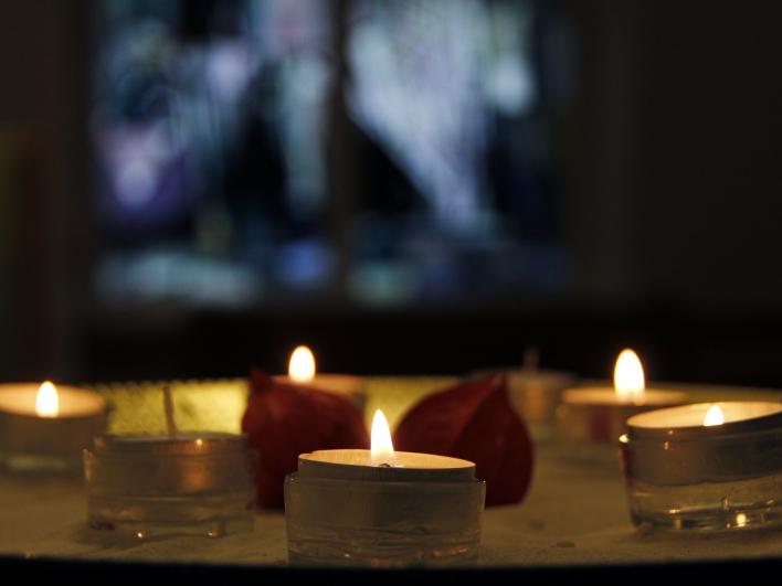 Kerzen in evangelischer Kirche