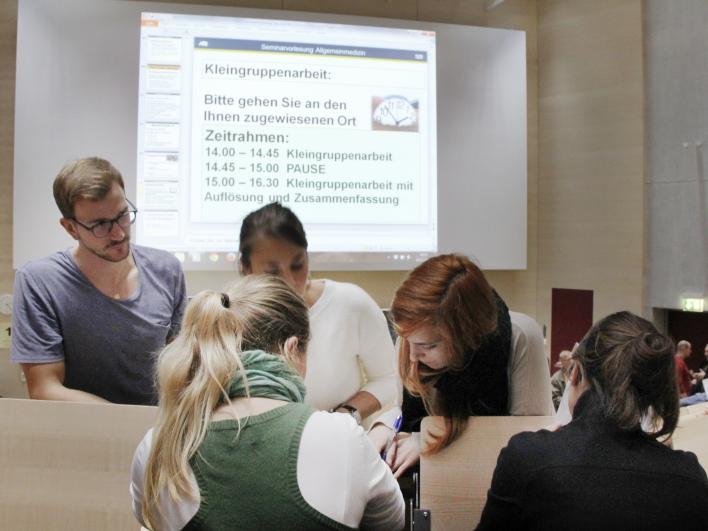 Medizinstudenten im Hörsaal der Fakultät für Medizin der Technischen Universität München