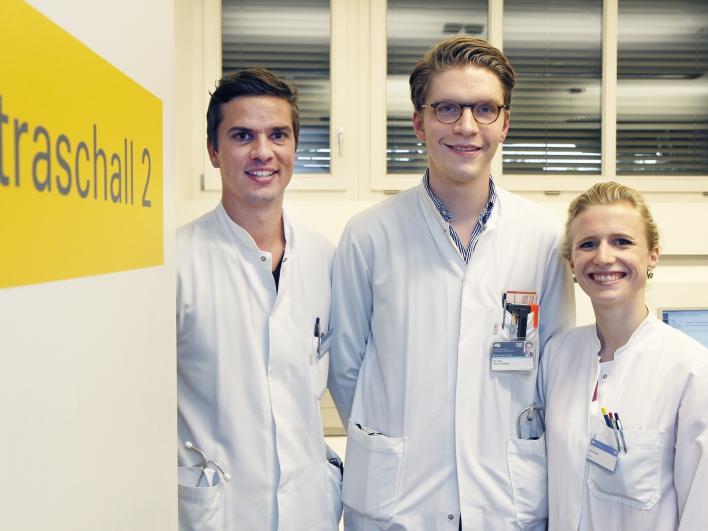 Mitarbeiter im Ultraschall