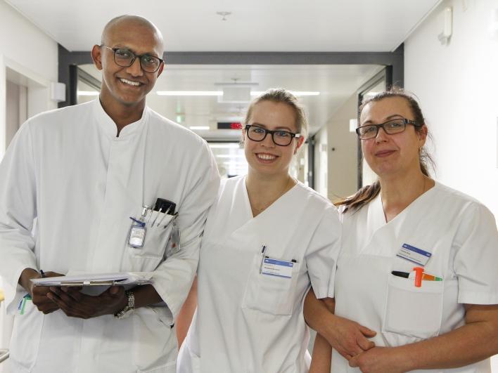 Ärzte und Krankenschwestern in der Neurochirurgie