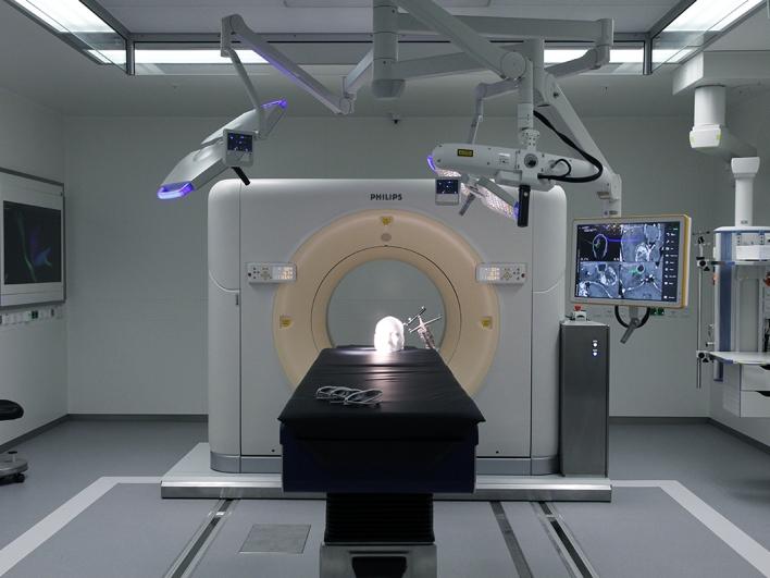 Neurochirurgischer OP mit Sliding Gantry-CT