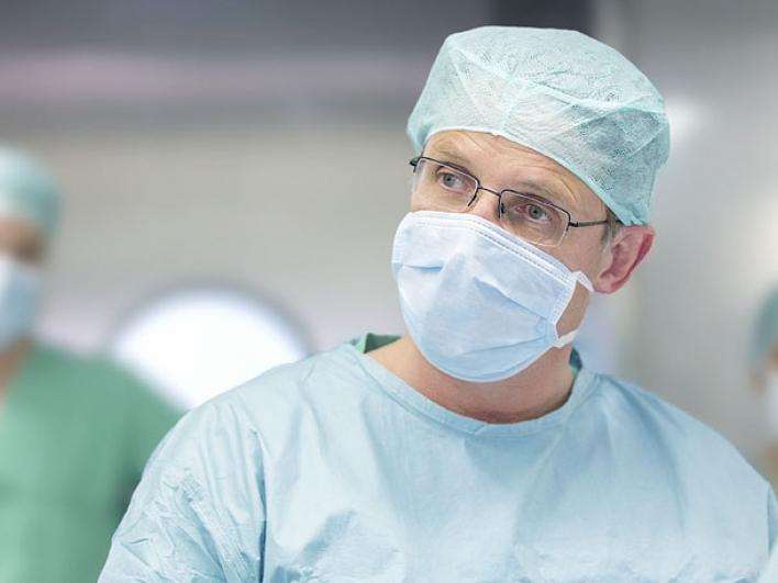 Prof. Dr. Hans-Günther Machens, Direktor der Klinik für Plastische Chirurgie und Handchirurgie