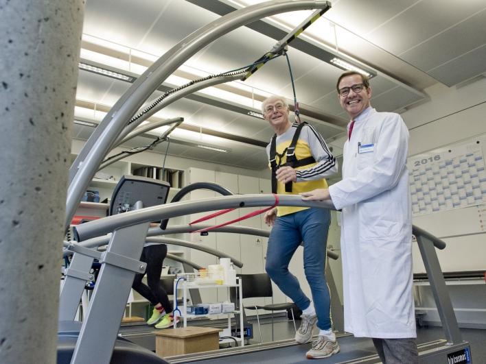 Untersuchung Belastungstest auf dem Laufband Guido Müller mit Prof. Halle