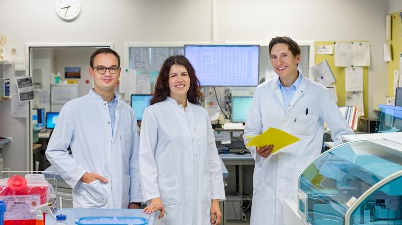 Das Forscherteam (Foto: Andreas Heddergott / TUM)